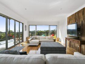 Open plan loungeroom L'Ciabot Rye