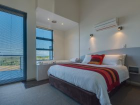 Cosy Corner Beach Apartment, Mount Clarence, Western Australia